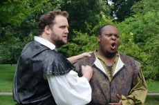 Chris Smith (Macduff) and Julian Stroop (Malcolm)